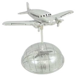 Avion sur demi-globe